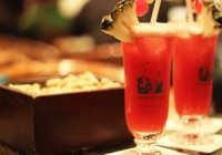 Singapore Slings in the Historic Raffles Hotel