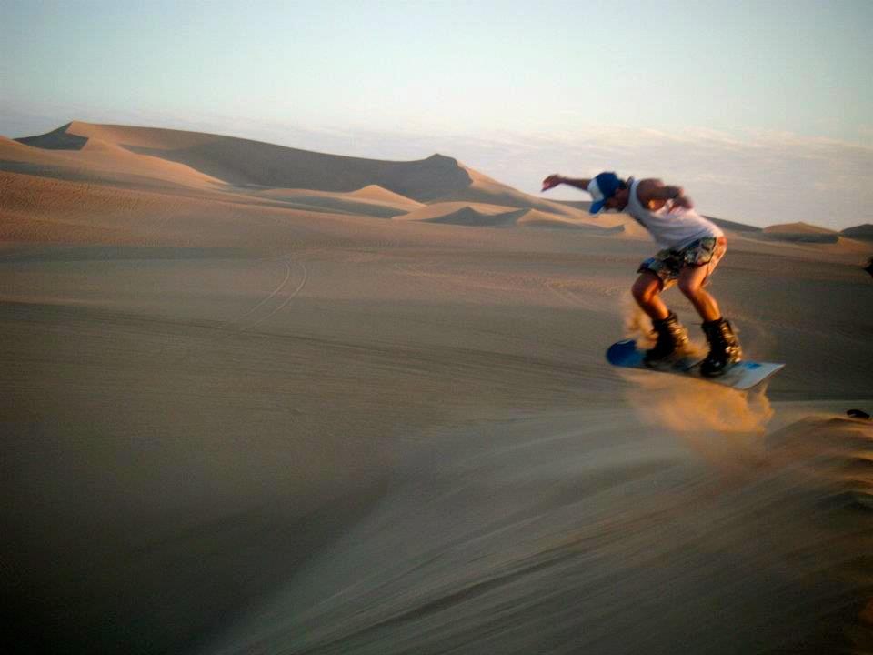 Huacachina Peru Sandbording