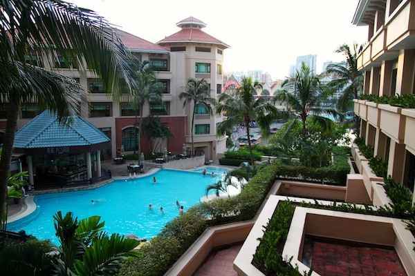 Swissotel Merchant Court Pool