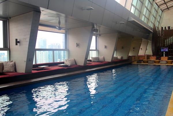 Traders Hotel Kuala Lumpur pool