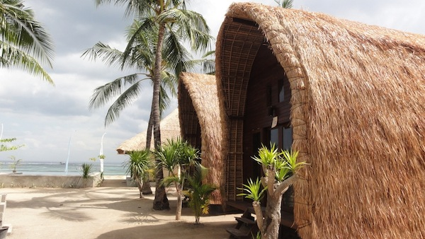 Oasis Bungalows Blue Corner Dive Centre Nusa Lembongan