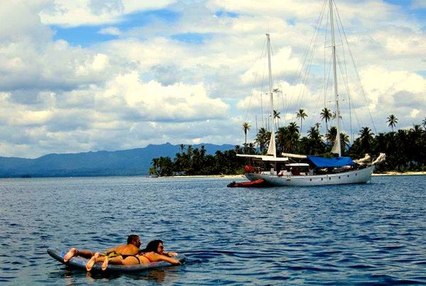 Sailing the San Blas Islands on Gitana III