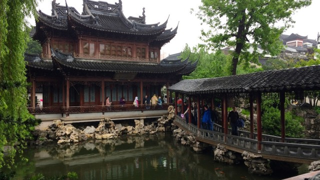 Chinese Architecture and Dumplings in Yuyuan, Shanghai