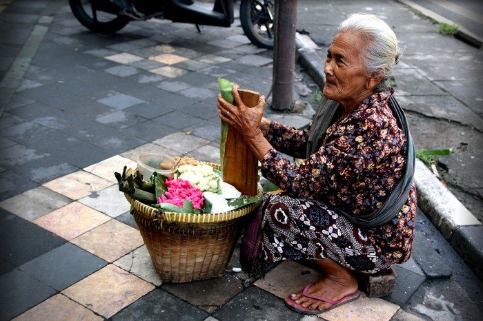 Old lady selling street food yogyakarta