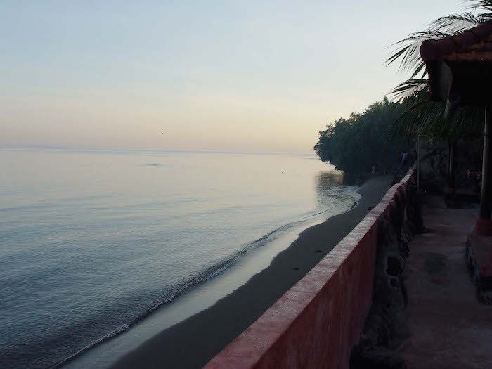 """Morning of Lovina Beach 200507-6"" by っ. Licensed under CC BY-SA 3.0 via Wikimedia Commons"