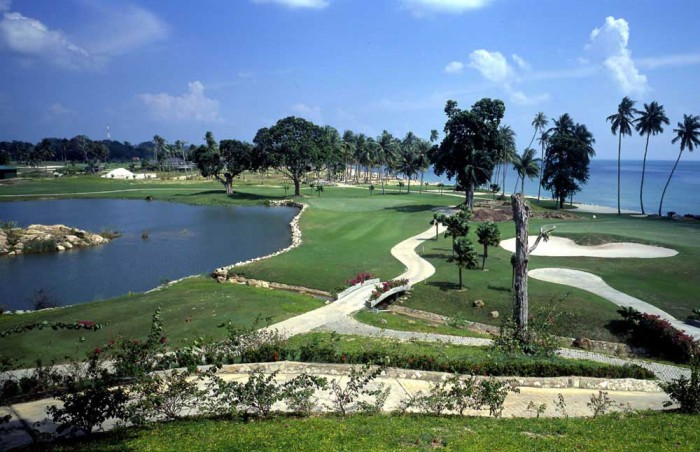 Bintan or Batam for golf