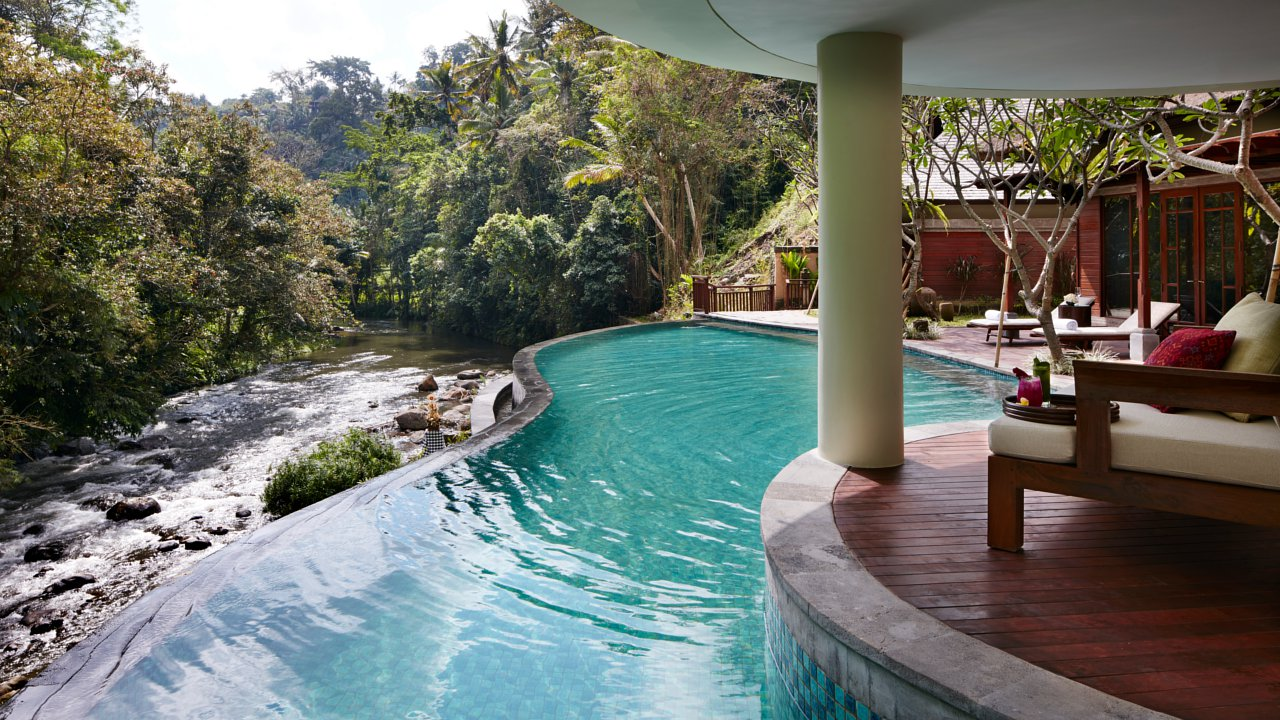 Ubud 39 s best infinity pools 9 alternatives to hanging gardens for Pool design for villa
