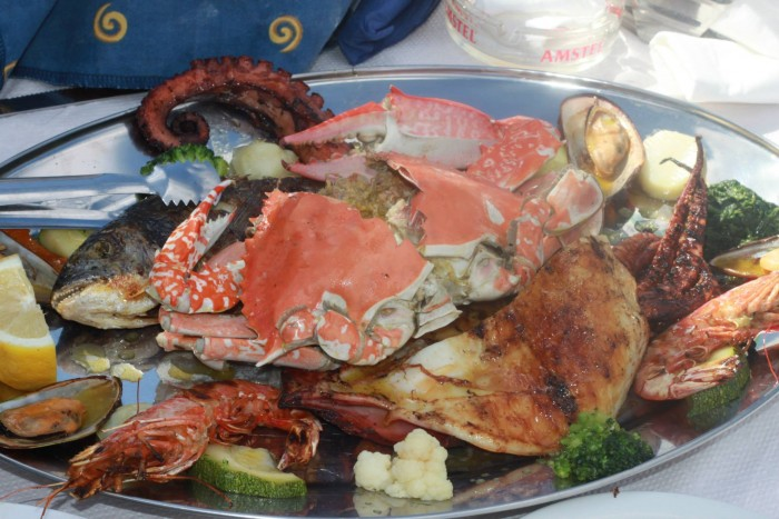 9 Reasons to Fall in Love with Santorini- Seafood Platter