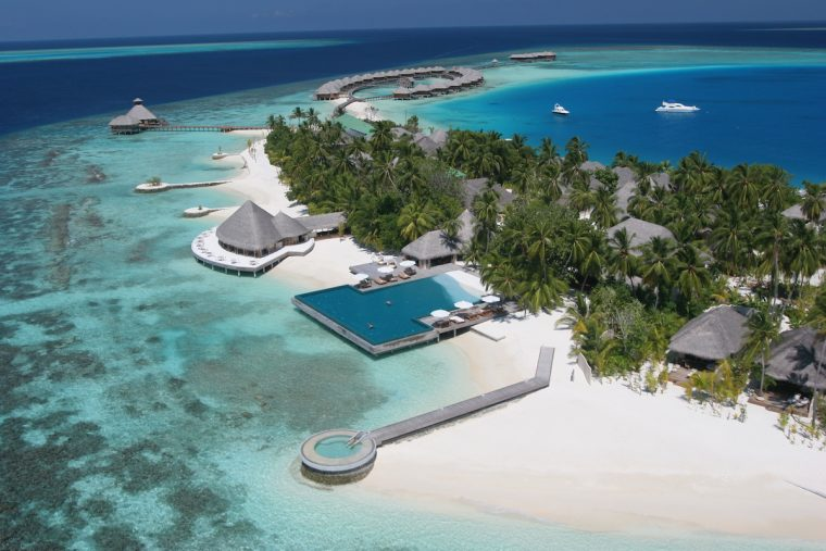 Maldives resorts accessible by boat transfer Huvafen Fushi