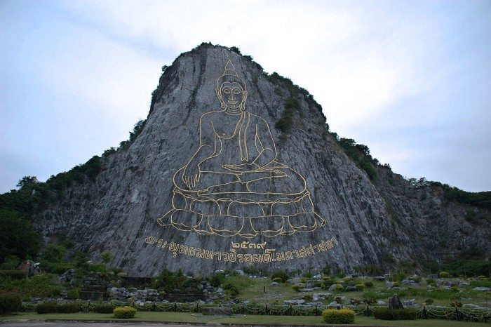 Pattaya Top Attractions - Buddha Mountain