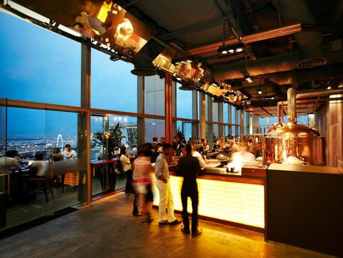LeVeL33 Craft-Brewery Restaurant and Lounge Singapore