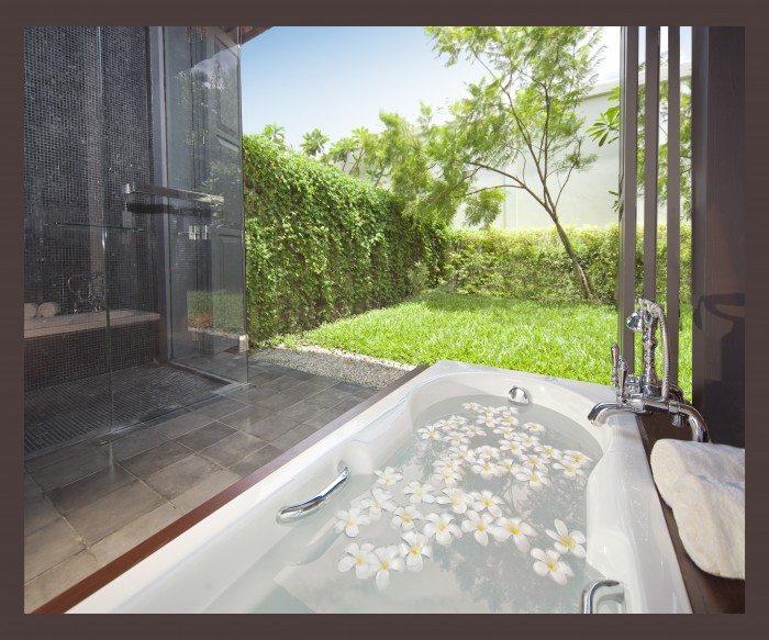 Sofitel Luang Prabang - Garden Suite _ Bathtub