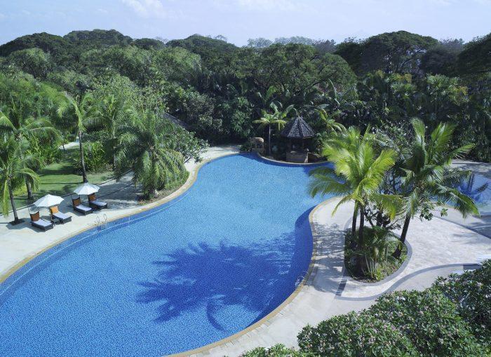 Shangri-la chiang mai Swimming Pool