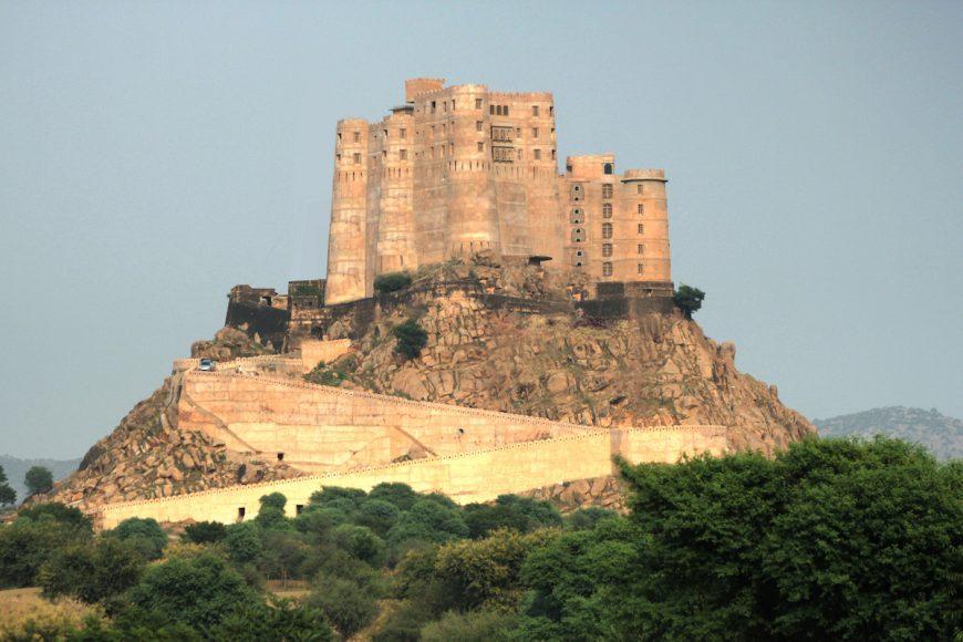 alila-fort-bishangarh-exterior