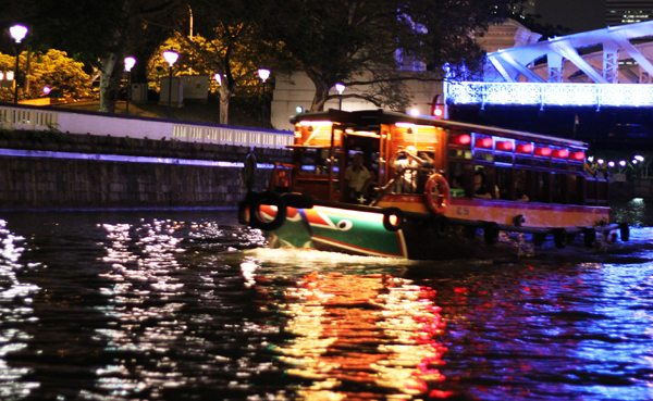Tour Singapore River by Boat