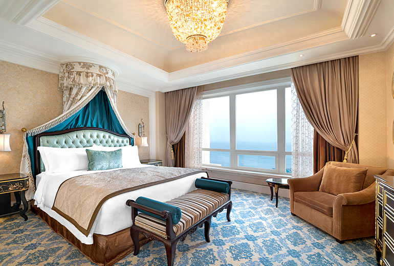 The Castle Hotel Dalian China Guest Room