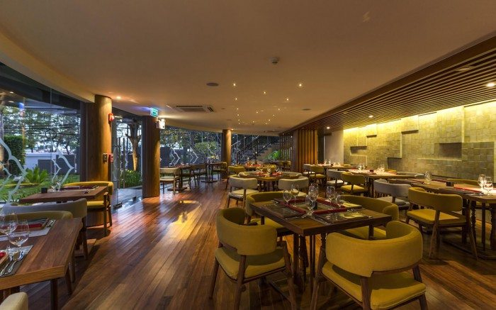 Novotel Phuket Karon Beach Tai Restaurant