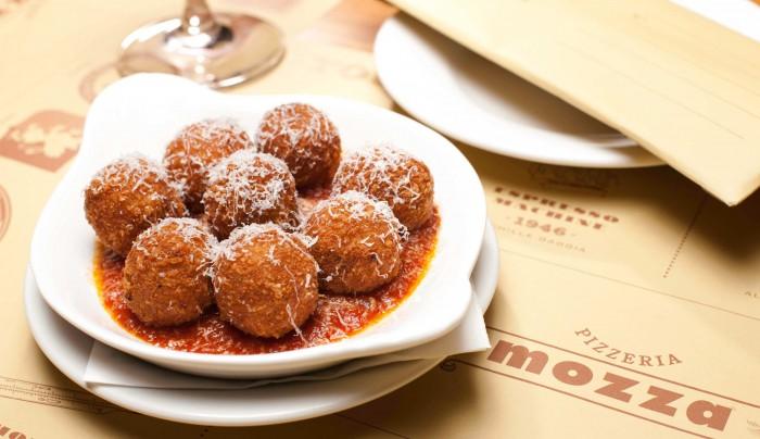 Celebrity Chef Restaurants Singapore - Pizzeria Mozza by Mario Batali
