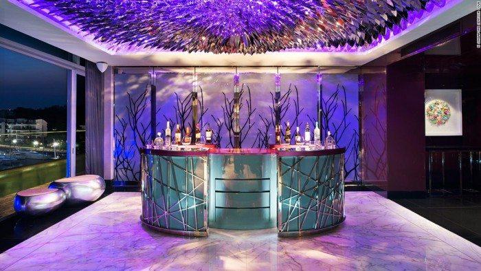 Extreme Wow Suite - Singapore's Best Suites
