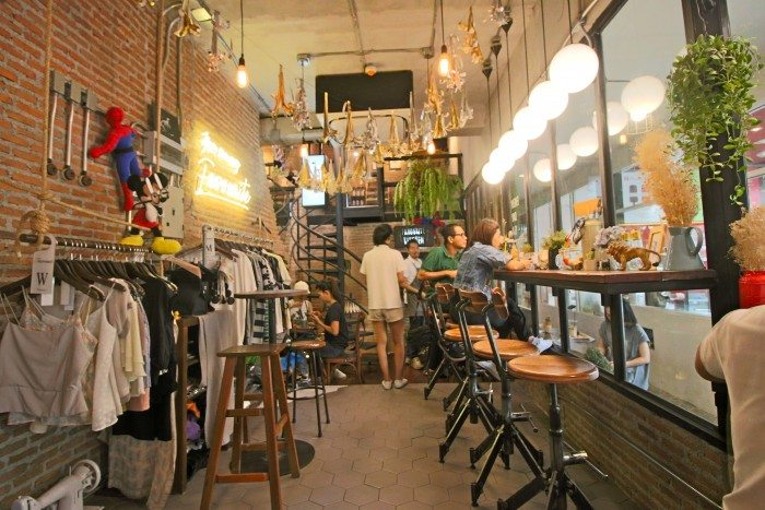 Favour Cafe, Bangkok