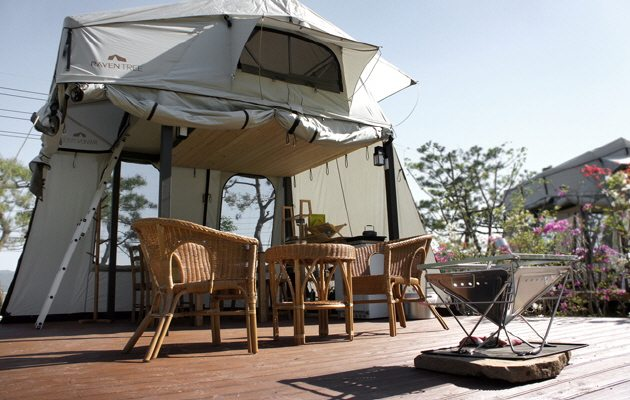 Raventree Clamping Resort - Glamping in Asia