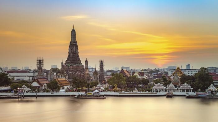 Wat Arun, Bangkok in Riverside Bangkok Thailand