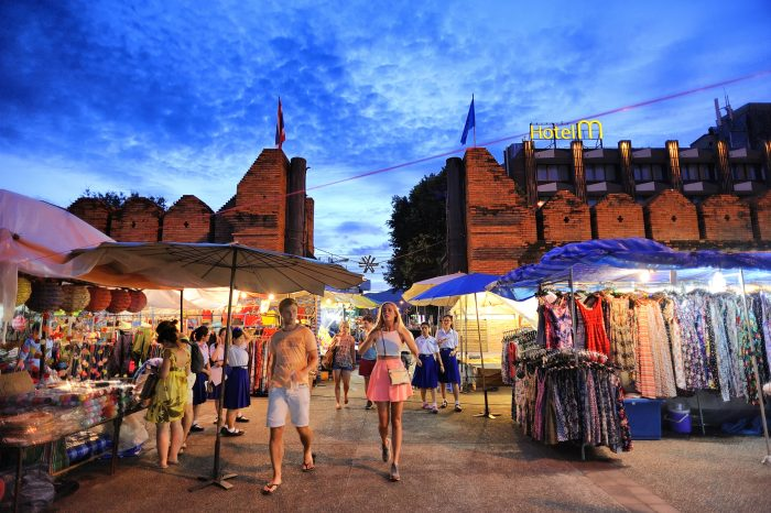 Sunday Night Walking Market Chiang Mai