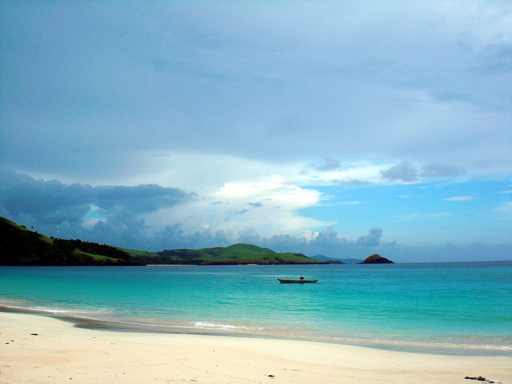 By www.travelphotology.net - Flickr Calaguas Island, CC BY 2.0