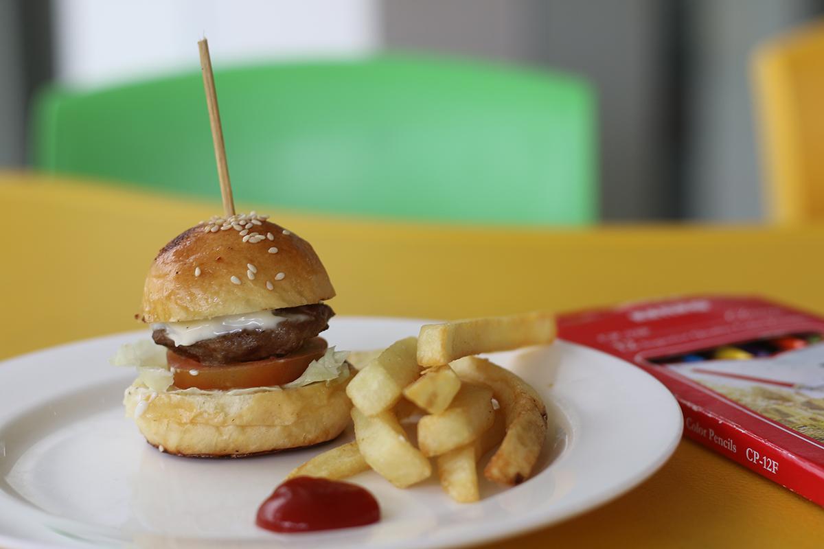 Mini burger and fries at Sheraton Bandung Kid Friendly Sunday Brunch