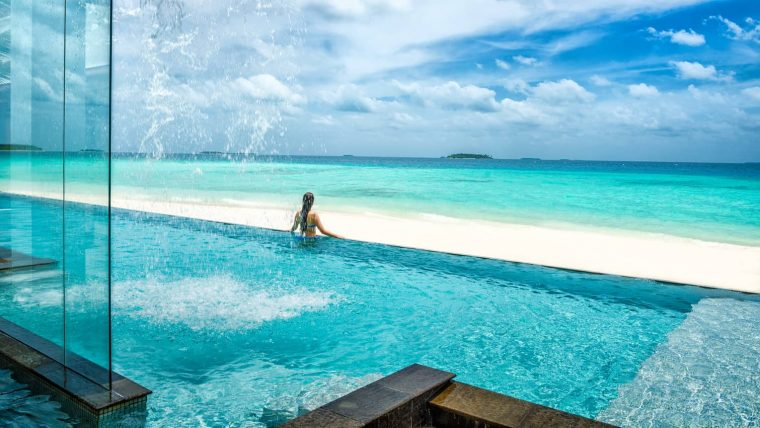 Four Seasons Landaa Giraavaru - kid friendly maldives resort